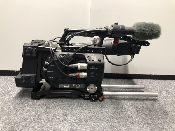 SONY PMW-FS7 Kit 2579 hours-USED